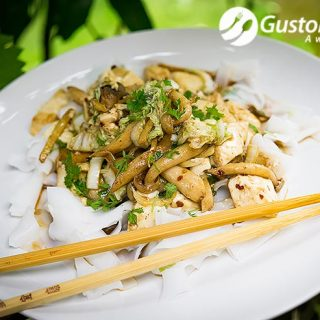 Tofu and mushrooms stir fry, a great vegetarian healthy dish.